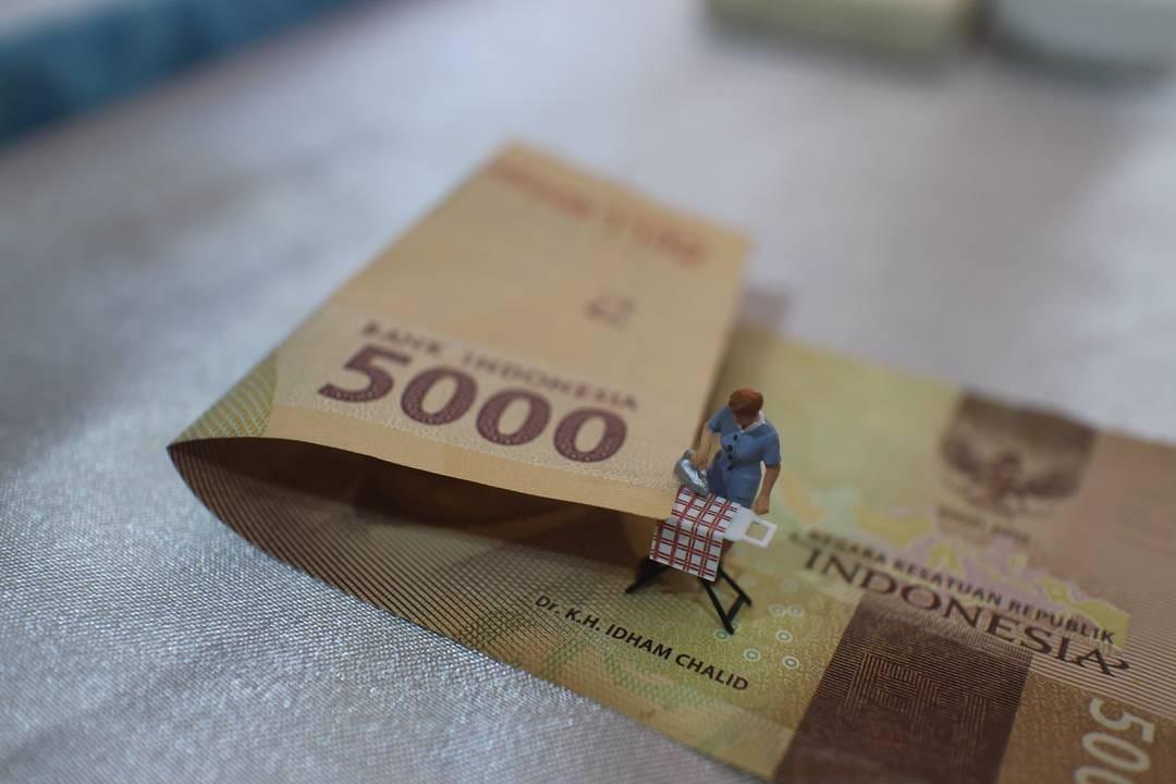kredit tanpa agunan, pinjaman, uang, duit, keuangan, uang muka, KPR, tenor, gaji, bunga, debitur, kreditur, tengkulak